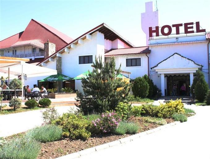Hotel Magura Verde, Luizi-calugara