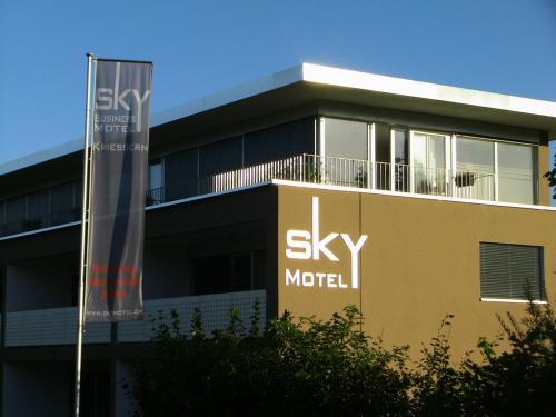 Sky Motel, Rheintal