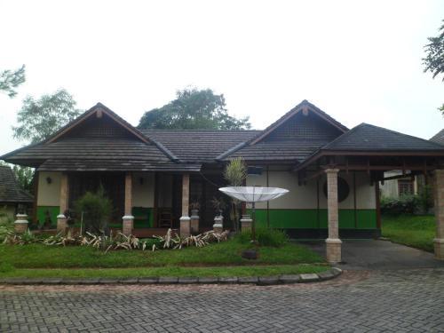 Fame Villa Yokohama Kota Bunga, Cianjur