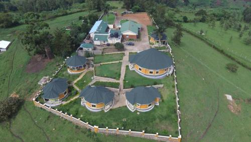 Karobwa Summit View, Burahya