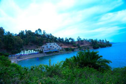 Moriah Hill Resort, Karongi