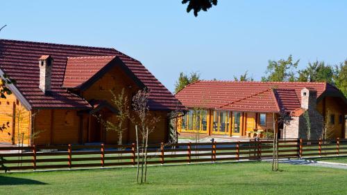 Hunting Lodge Blatusko Brdo, Lipik