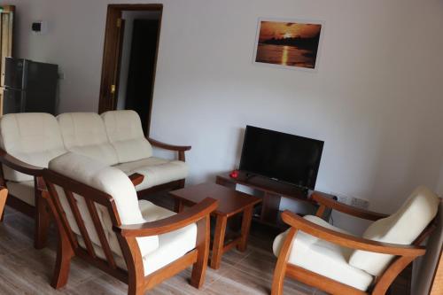Chez Antoine Apartments,