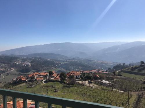 2 Douro vineyards and Mountains, Baião