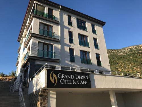 Grand Derici Otel, Merkez