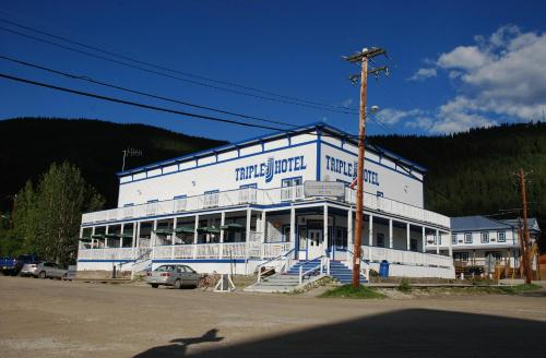 Triple J Hotel, Yukon