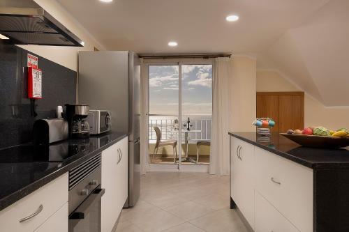 Top View House, Calheta