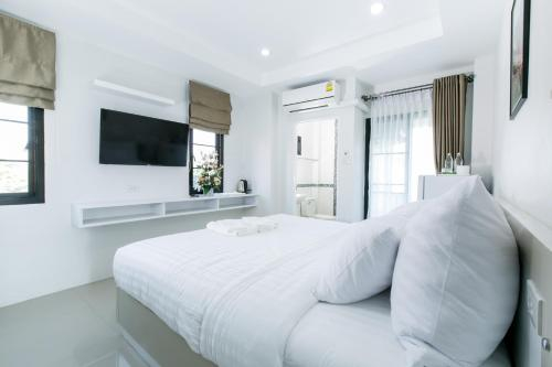 The Gun Hotel, Muang Surin