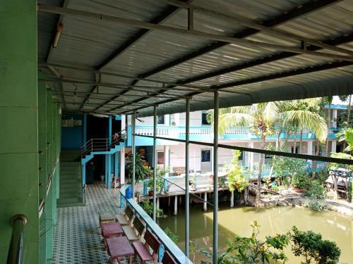 Khach san 20, Chau Doc