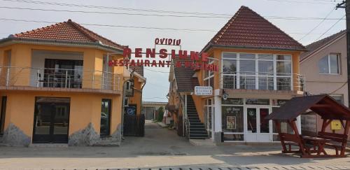 Ovi Panzio es Restaurant, Valea Lui Mihai