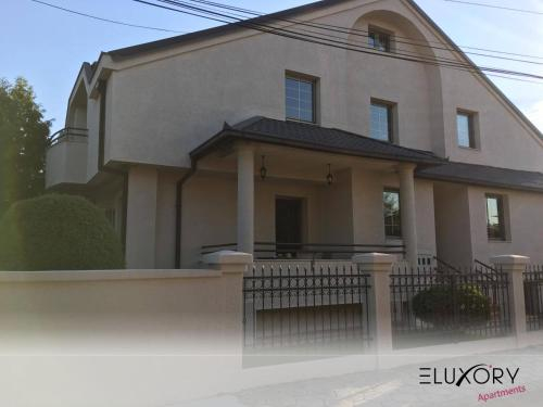 Spacious LUX house with garden,