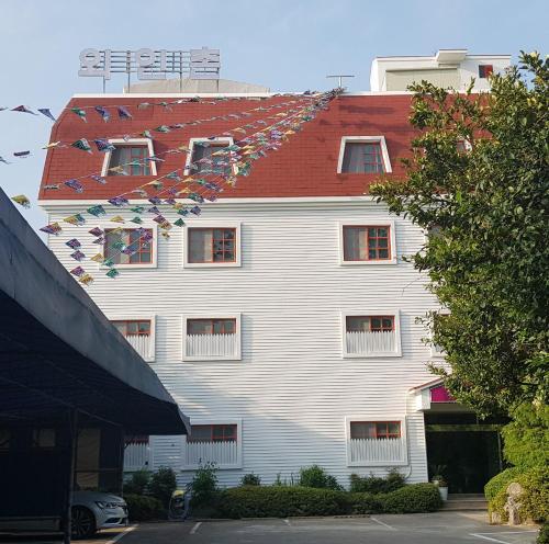 Oeinchon Motel, Jinhae
