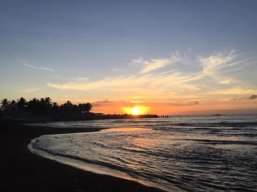 Morales Beach Resort, Sariaya