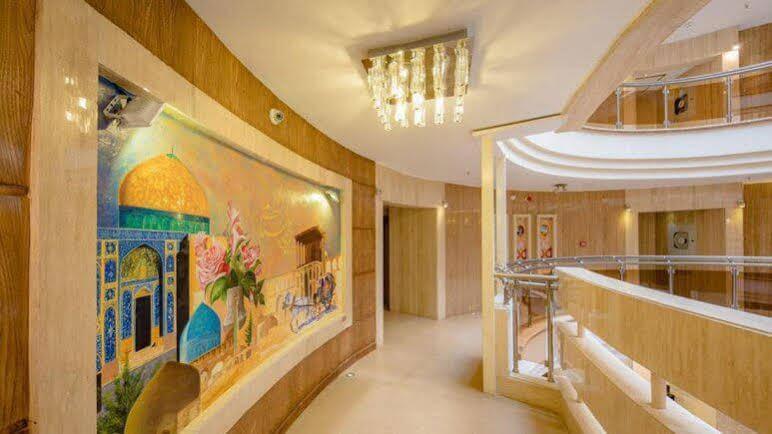 Safir Isfahan Hotel, Tiran and Karvan