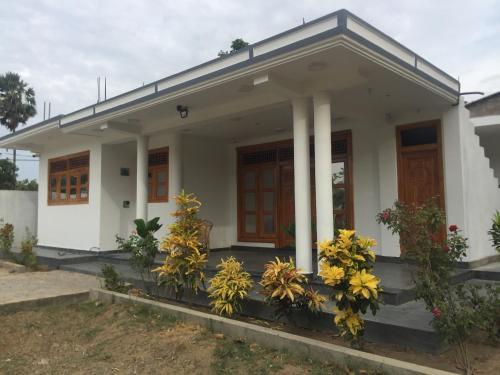 Ahi House, Karachchi