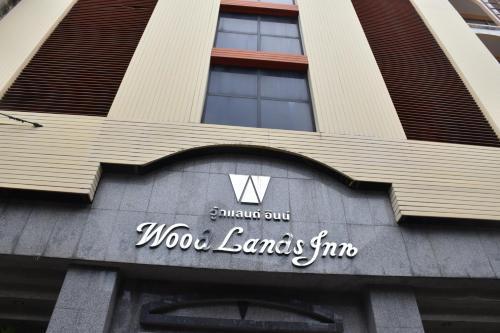 Woodlands Hostel, Bang Rak