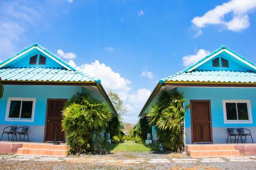 Maneekul Resort, Takua Thung
