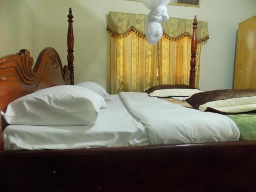 Townview Hotel, Buwekula