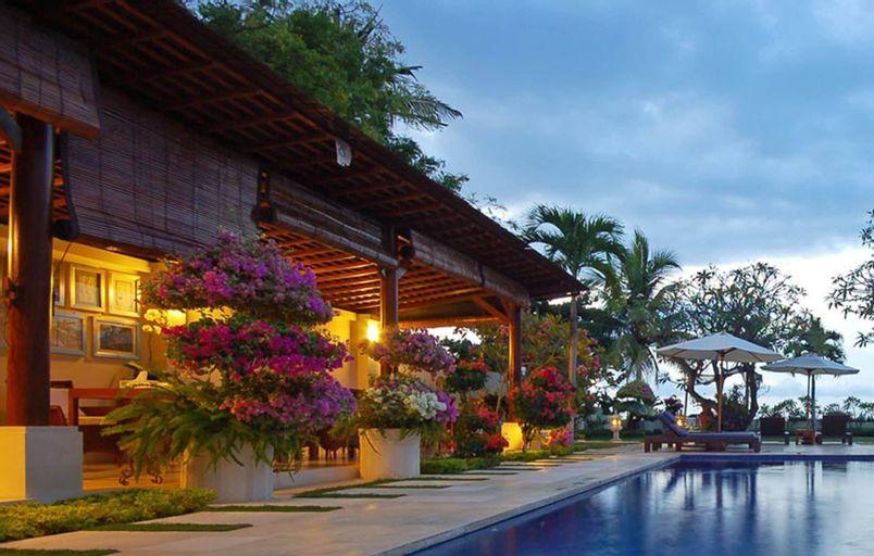 Frangipani Beach Hotel, Buleleng