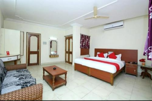 Hotel Raja, Bilaspur