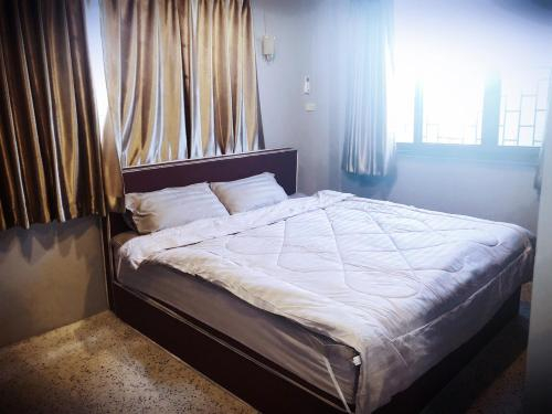 โรงแรม สว่างโฮเต็ล หล่มสัก, Lom Sak