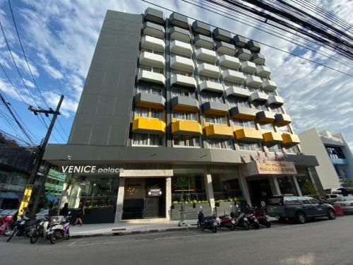 Venice Palace Hotel, Su-ngai Ko Lok