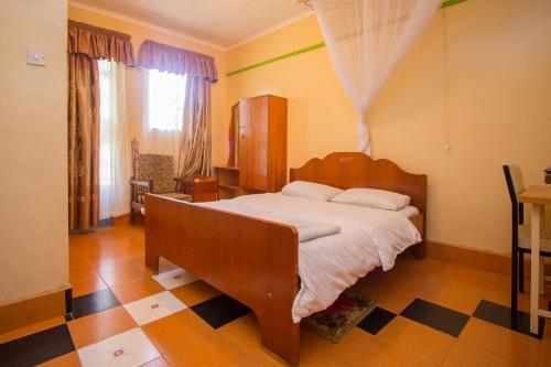 Jamindas Paradise Motel, Lurambi