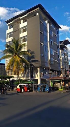 Adalid-Hotel, Leoncio Prado
