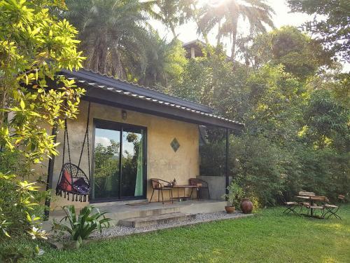 Pugkood Habitat, Thong Pha Phum