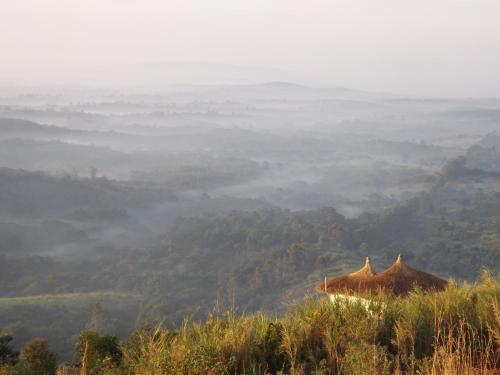 Isunga Lodge, Burahya