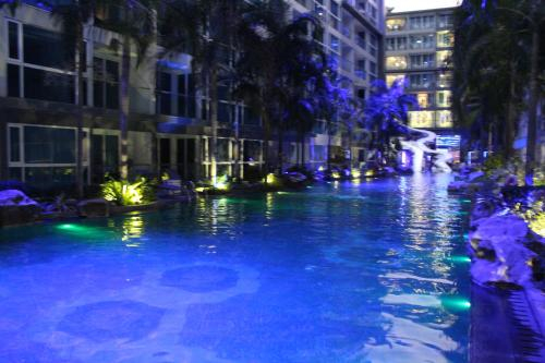 Centara Avenue by Drew near Walking St free Pool, Pattaya