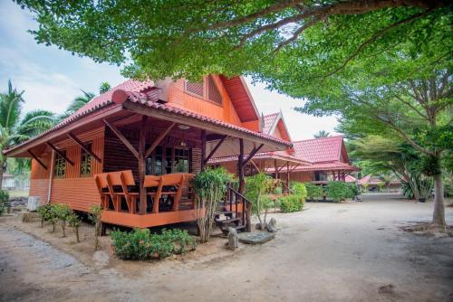 Folk Tales Beach House Resort, Khanom