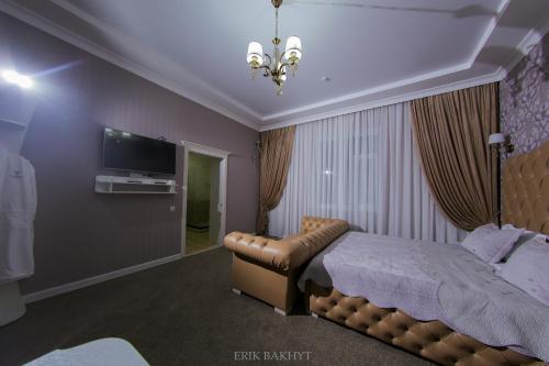 Seven day Hotel, Bayzakskiy