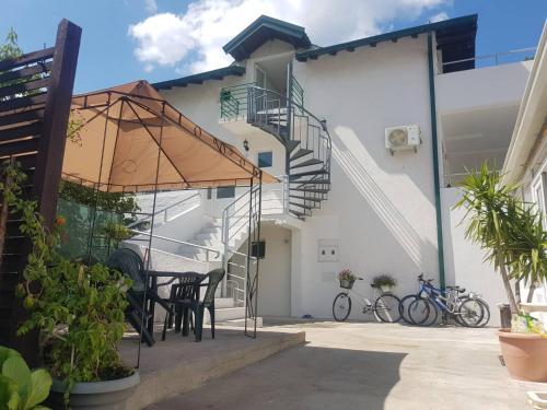 Villa Lana,