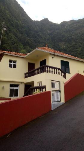 Casa Reis, Santana