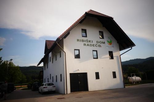 Ribiski dom Radece, Sevnica