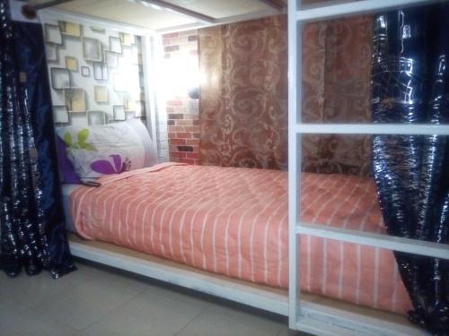 Ban Kru Ae mixed dorm, Don Muang