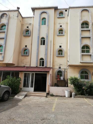 Al Jadiah Al Fakhirah Furnished Units 1,