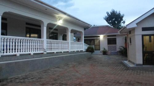 The Pearl Inn, Koboko
