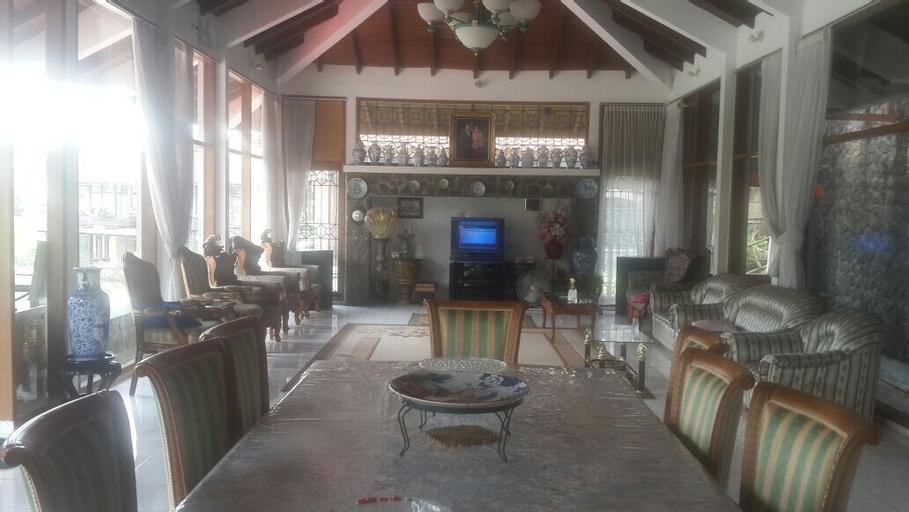 Villa Bukit Danau, Cianjur