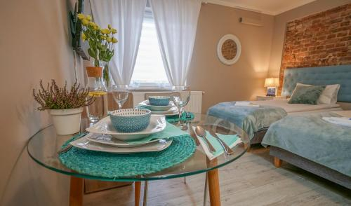 Happy Day Apartments, Opole