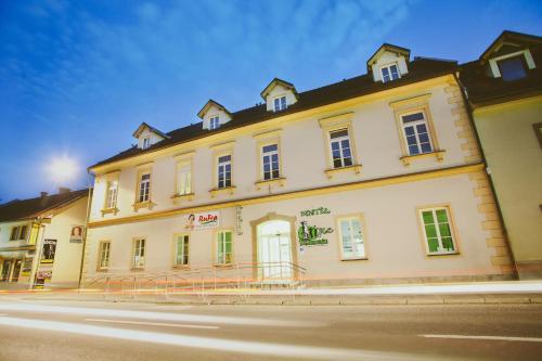 Hotel & Hostel Marenberg Radlje, Radlje ob Dravi
