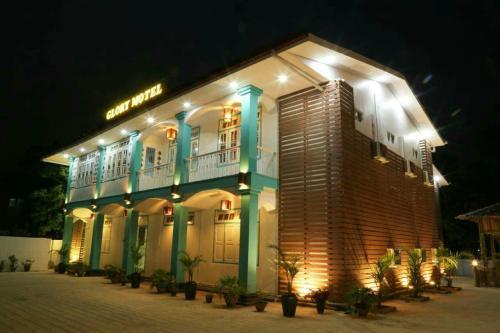 Glory Motel, Loikaw