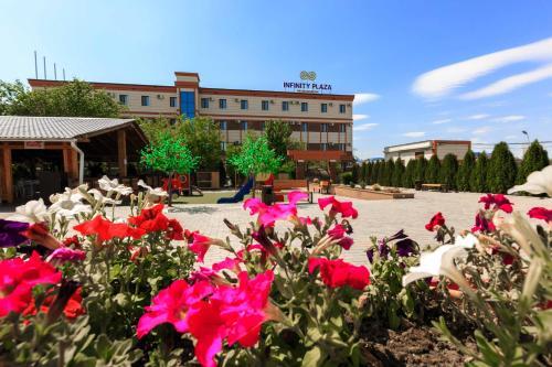 Infinity Plaza Hotel, Makhambetskiy