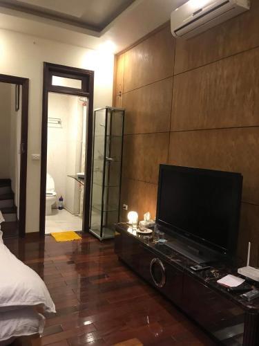 Hanoi Luxury Guest House, Hoàn Kiếm