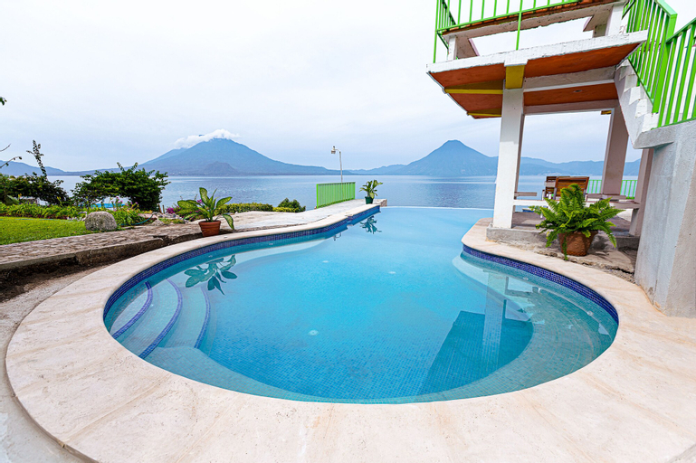 Hotel y Centro de Convenciones Jardines del Lago, Panajachel