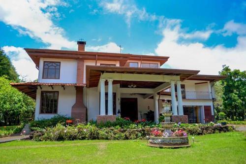 Villa Ilusion, Santo Domingo