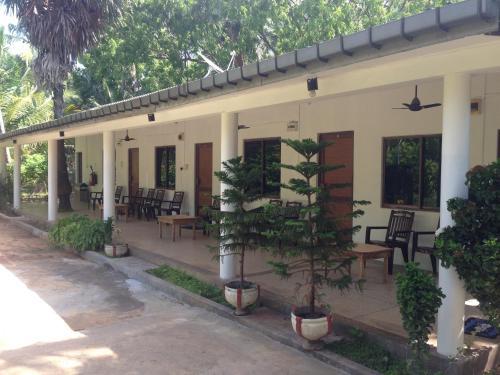 Vasuki Guest House, Koralai Pattu (Valachchenai)