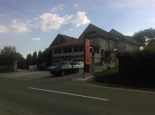 Karavan 123, Raška