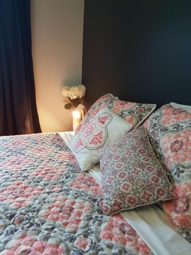 The Blackhouse private guest room, Westland